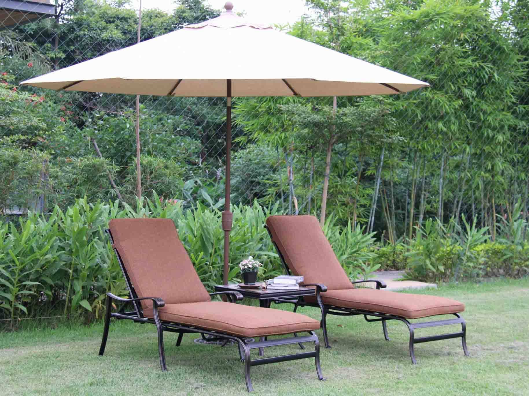 L679 Outdoor lounge chair cast aluminum